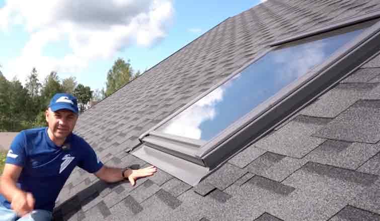 окно на крыше дома