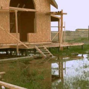 Какой фундамент лучше делать на болотистой почве